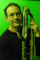 Small_ben_goldberg_with_contra_alto_clarinet_-_2_-_photo_by_ken_weiss
